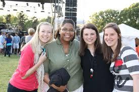 bob2   Kortney Leland, Jackie Bielevicz, Addie Watson   Converse College    Flickr