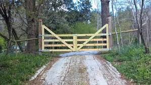 Free Diy Wood Gate Plans Wood Gate Wood Gates Driveway Driveway Gate Diy