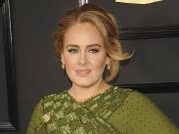 Adele dimagrita: «Ha perso 30 chili per amore di suo figlio»