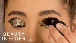 apply glitter eyeshadow with a st