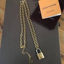 sold auth lv lockme pendant necklace