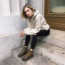 How to Style the Latest Sweatshirt Trend | W Magazine | Women's ...