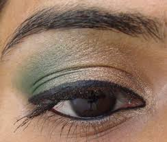 gold and green eye makeup tutorial