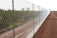 Chain Link Fence Definition In The Cambridge English Dictionary