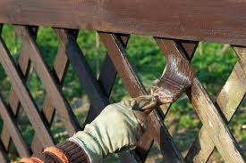 9 Tips For Painting A Garden Fence And Best Wood Paints To Use From Ronseal To Cuprinol Sunderland Echo
