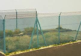 Model Scene 48140 High Chain Fence With Barbed Wire Scale 1 72 1 87