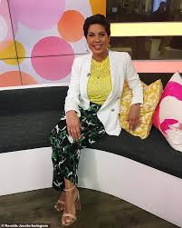 Studio 10 host Narelda Jacobs reveals her mum's heartwarming reaction after  she told her she was gay - The Girl Sun