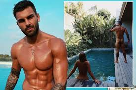 Love Island's Adam Collard desperately seeks attention as he strips off for  naked snap - Mirror Online