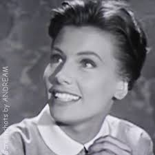 Jacqueline Beer as 'Suzanne' 77 SUNSET STRIP (1959) | Sunset strip, Tv  series, Sunset