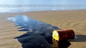"""Resultado de imagem para O destino incerto do óleo que atinge o litoral do Nordeste"""""""