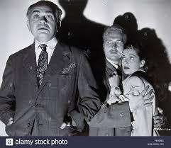 En 1947, el título de la película: la noche tiene mil ojos ...