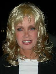 File:Donna mills cropped photo.jpg - Wikimedia Commons