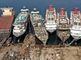 The scrap metal yard for cruise vessels, Aliaga in Turkey — MercoPress