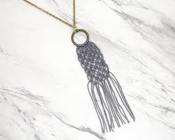 simple macrame necklace easy diy projects