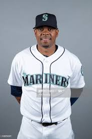 Roenis Elias of the Seattle Mariners poses during Photo Day on... Photo  d'actualité - Getty Images