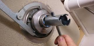install a kitchen sink strainer