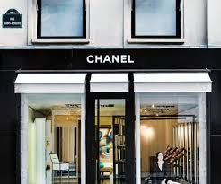 chanel opens pop up beauty boutique in