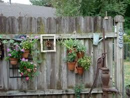 Top 20 Diy Backyard Decoration With Rustic Decorating Ideas Backyard Fence Decor Backyard Fences Rustic Garden Decor