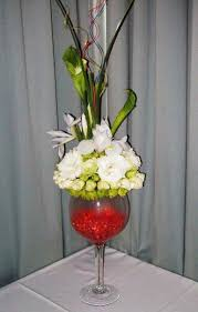 wine glass centerpiece with images