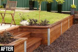 build a retaining wall sloped