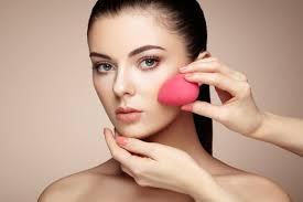 pakai makeup saat sedang jerawatan