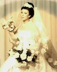 صورة نادرة من 50 عاما.. رجاء الجداوي بفستان الزفاف - اليوم السابع