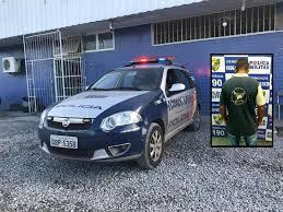 Resultado de imagem para Homem vai preso após se masturbar em ponto de ônibus na frente de 3 jovens