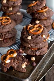 chocolate peanut er chip pretzel