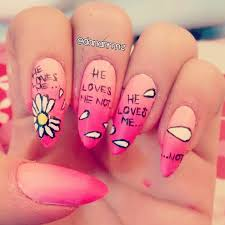 s always have the prettiest nails