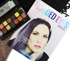 the hooded eyes makeup manual book review