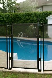 Pin By Piscinas Tankes On Casa In 2020 Fence Around Pool Removable Pool Fence Pool Fence
