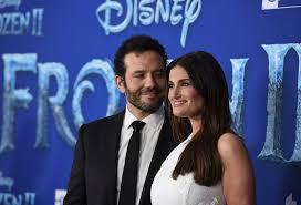Aaron Lohr & Idina Menzel: Photos Of The Couple – Hollywood Life