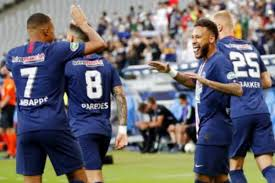 Kylian Mbappe Injured as PSG Beat Saint-Etienne to Win Record ...