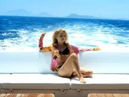 Geri Halliwell recreates Mi Chico Latino pose as she strips to skimpy  bikini 17 years later - Irish Mirror Online