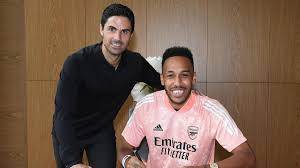 Pierre-Emerick Aubameyang signs new ...