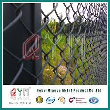 China Pvc Coated Privacy Square Mesh Link Chain Link Fence For Green Field Photos Pictures Made In China Com