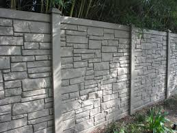Simtek Ecostone Simulated Stone Fence This Decorative Rock Wall With Steel Reinforced Polyethylene Is Extremel Vinyl Fence Colors Vinyl Fence Dog Proof Fence