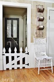 Picket Fence Pet Gate Diy Dog Gate Home Decor Tips Home Decor