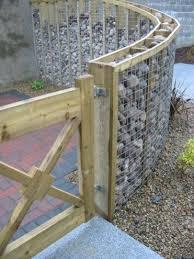 Diy Fence Garden Design With Wood Pallets 01 Palletgarden Privacy Fence Designs Fence Design Backyard Fences