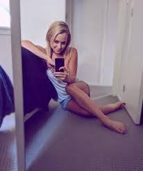 Sally Martin's Feet << wikiFeet