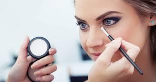 can you put makeup on after a spray tan