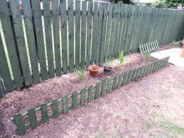 Wickes Timber Picket Fence Style Border Edging 280 X 1100 Mm Wickes Co Uk