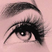 how to make fake eyelashes look real