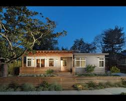 Dining Room Low Horizontal Wood Fence With Inspiration Com Modern Front Yard Front Yard Fence Front Yard Design