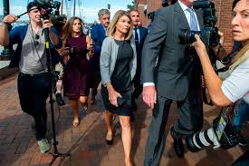 Lori Loughlin Gets 2 Months In Prison For College Bribery Scandal ...