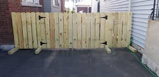 Diy Driveway Fence For Renters No Drilling Into Ground Portable Fence Diy Driveway Portable Fence Diy Backyard Fence