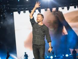 Dierks Bentley and day two of Country Thunder fight off frightful ...