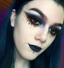 polka dot eye makeup is popping up all