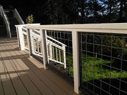 Deck Railing With Hogwire Panels 12 Steps With Pictures Instructables