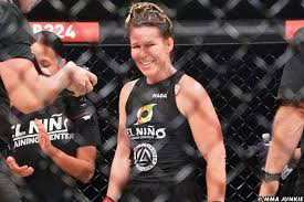 Bellator 224 results: Leslie Smith returns with majority decision win over  Sinead Kavanagh